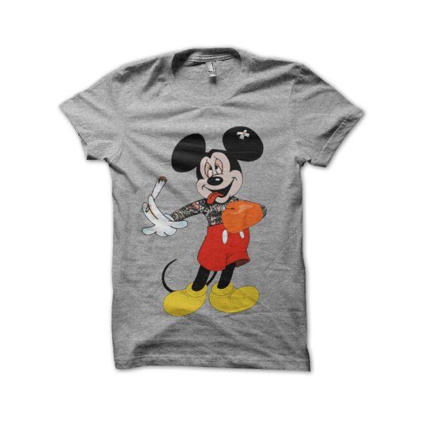 Tee Shirt Mickey Boxer and gray smoking